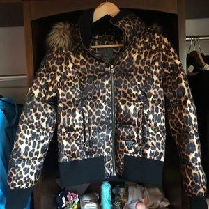 Like new Guess Cheetah Puffer Jacket